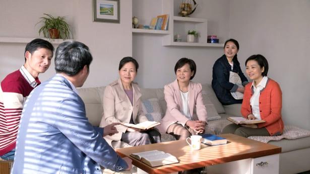 مدركًا حقيقة أكاذيب الحزب الشيوعي الصيني، تردني محبة الله إليه (الجزء الثاني)