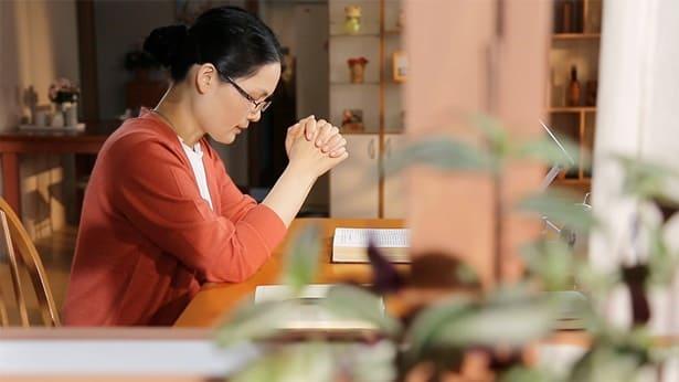 صلوات مسيحية | صلاة مسيحية لتحقيق الأمنيات | الشهادة على معجزة في خضم اليأس